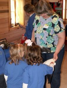 Kathy Cochran uses her experience teaching Sunday School as a Bird Buddy volunteer.